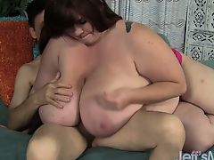 Titanic Lexxxie Luxe fucks a guy silly with her giant tits