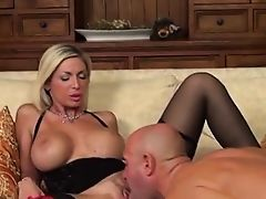 Smoking hot Italian milf get fucked