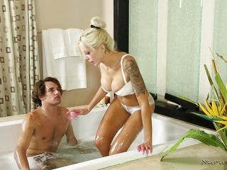 hot masseuse plays naughty in the bathroom