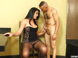transsexual in nylons gets a sweet blowjob