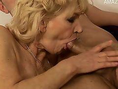 Hot girlfriend squirting