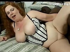 She Got A Fat pussy lips cummed in by shaft