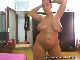 fat babe puts on a webcam show for the horny men