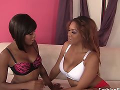 Black Lesbians Fuck Each Other Till They Squirt!
