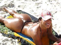 Bundas na Praia