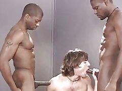 Jeff Palmer gangbanged (part 2 : black guys)