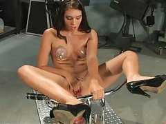 Brunette Gal Enjoying an Amazing Machine Fuck