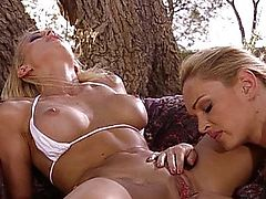Blonde lesbian pussy expedition